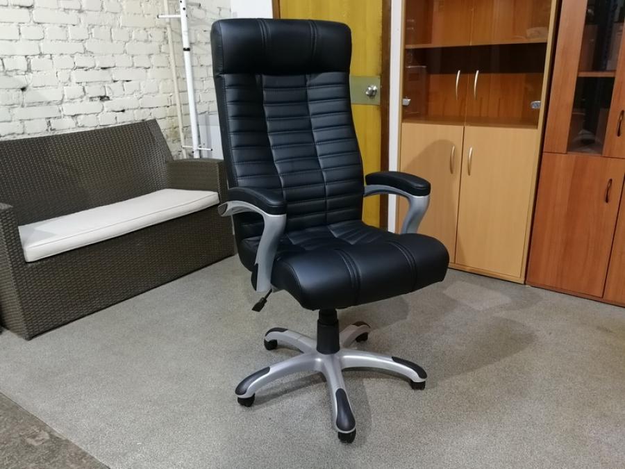 Кресло для руководителя АТЛАНТ НЬЮ (черный) НОВЫЙ!