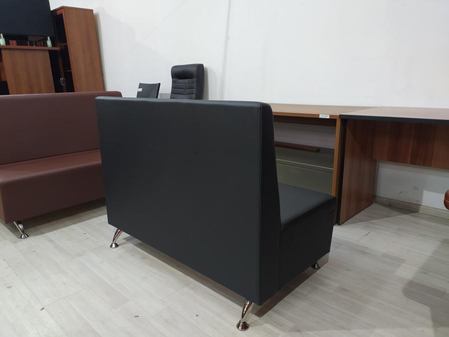 Диван холловый 2-местный (черный кож.зам). Новый