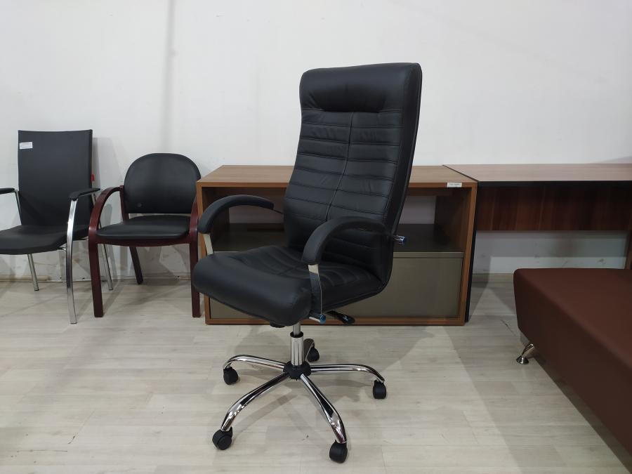 Кресло руководителя ОРИОН Хром МТГ (кожа черный). НОВОЕ!