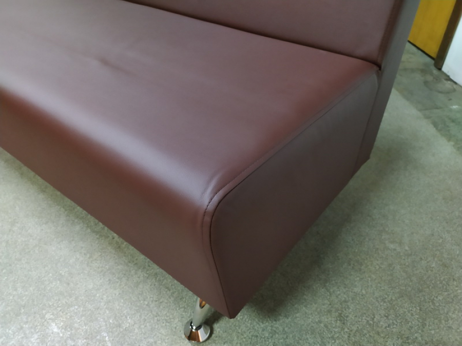 Диван холловый 2-местный (коричневый) Новый
