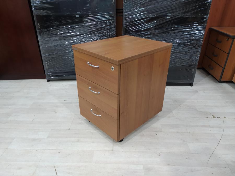 Тумба подкатная офисная 3 ящика б/у 09175