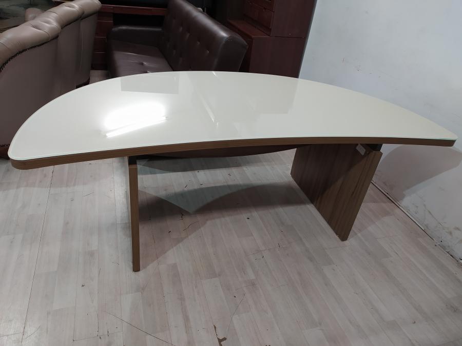 Стол руководителя дерево/стекло б/у