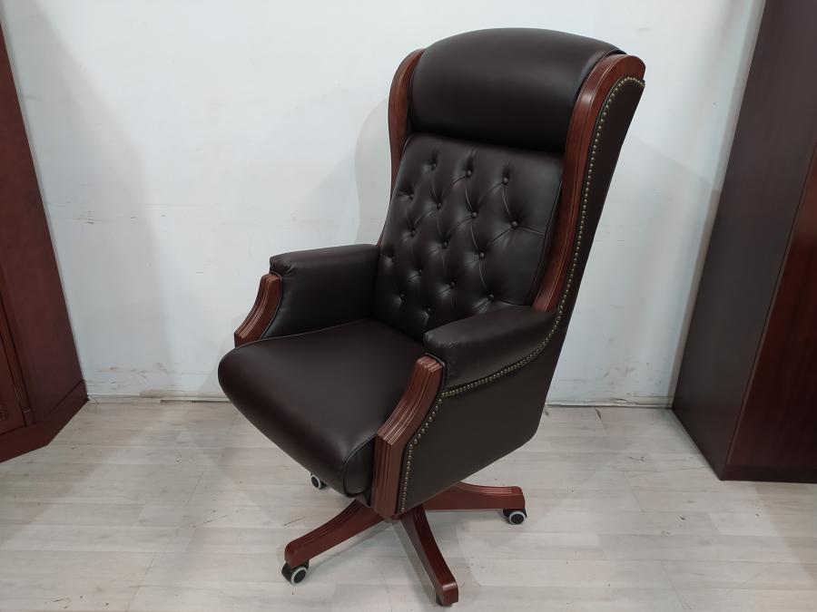 Кресло для руководителя кожа новое