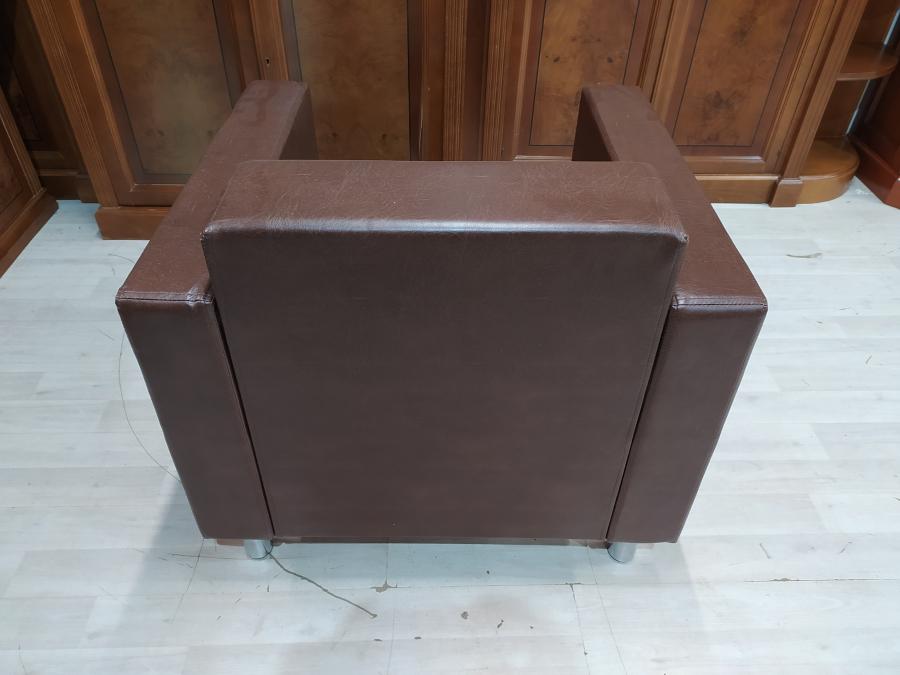 Кресло мягкое для посетителей Д1М. Новое