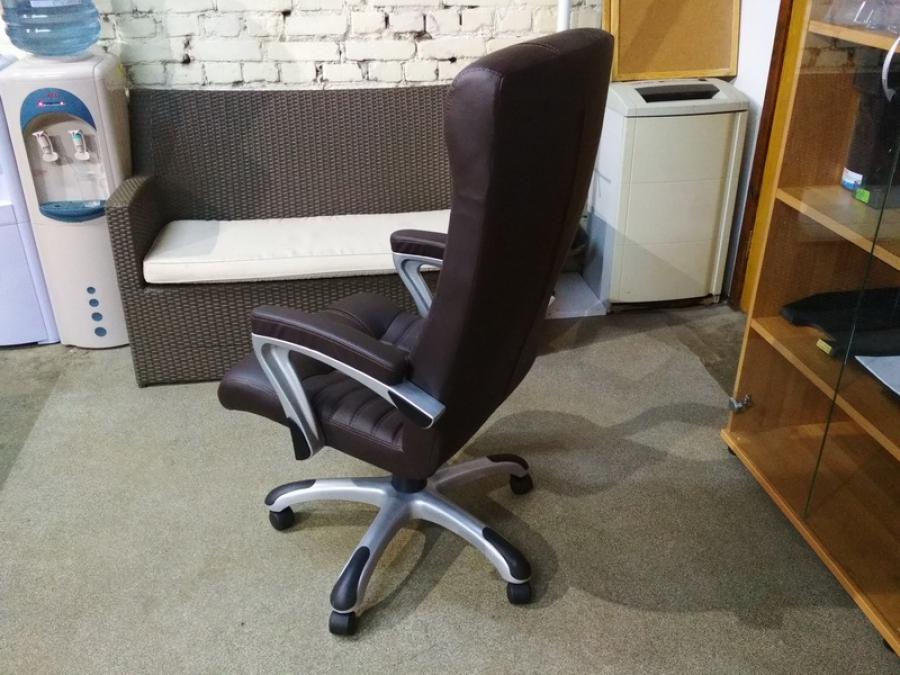 Кресло для руководителя Атлант Нью (шоколад) Новое!