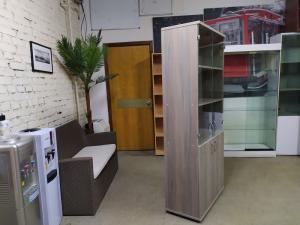 Шкаф для документов, низ двери, верх стекло Новый вяз либерти