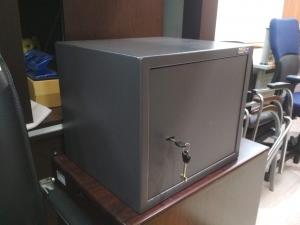 Сейф мебельный КОБАЛЬТ RUS-34 (вес 16 кг), замок ключ. Новый!