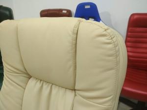 Кресло руководителя АВАКАДО Хром МТГ (экокожа крем). НОВОЕ!