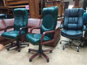 Кресло руководителя ГЕРМЕС ЭКСТРА-1.023 (зеленый). Новое!