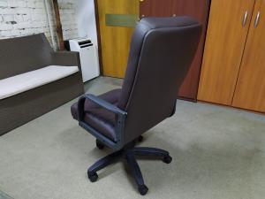 Кресло руководителя Орман (шоколад). Новое!