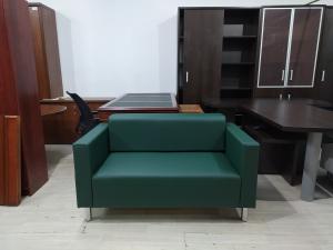 Диван офисный 2-местный (зеленый матовый) НОВЫЙ