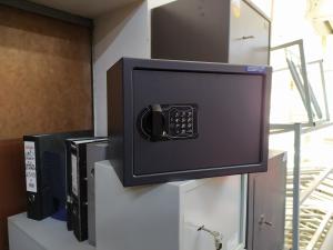 Сейф мебельный с электронным замком КОБАЛЬТ. Новый